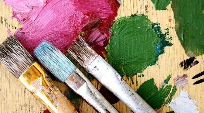 Pinsel-Solomiya-Trylovska-Shutterstock.com_