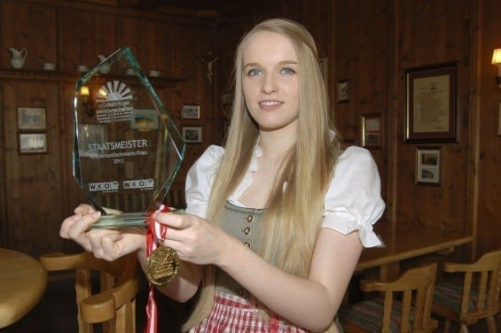 Bianca Ausserdorfer - Staatsmeister im Bereich Restaurantfache